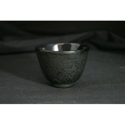 Tasse à thé fonte noire